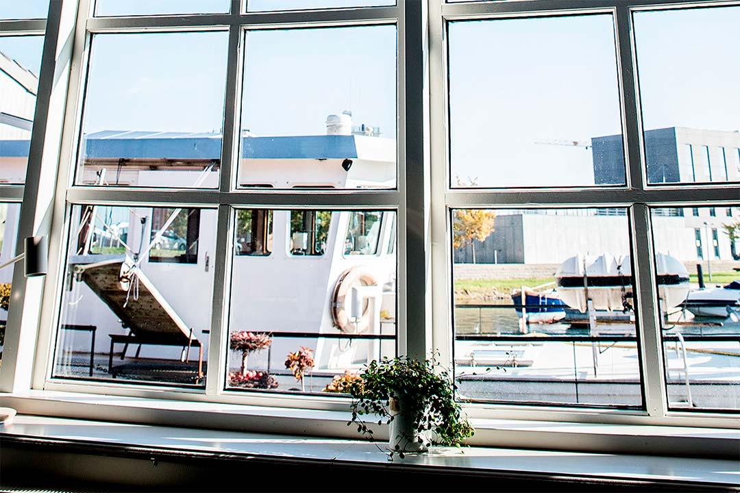 Husbåden Oldenburg ligger lige foran Værftet