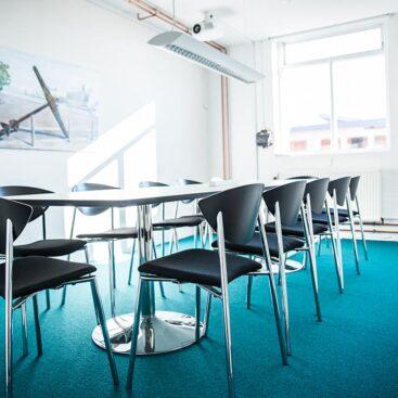"""Mødelokalet """"Lasten"""" på Værftet i Køge har god AV og plads til 12 deltagere."""
